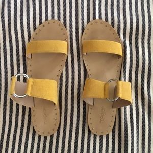 "TOPSHOP ""HICCUP"" Yellow Suede Sandals Sz 9.5 EU40"